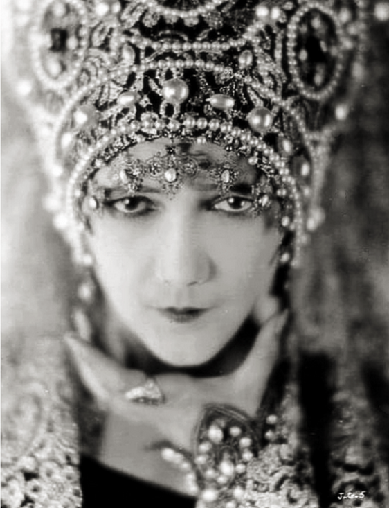 Jetta Goudal in the silent film 'The Coming of Amos', 1925