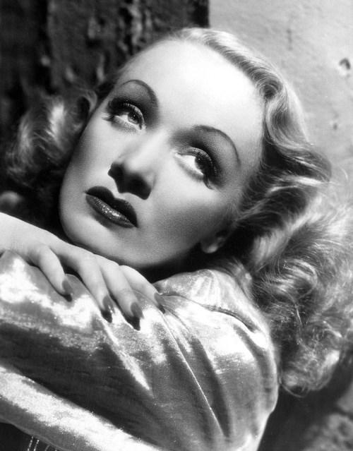 Marlene Dietrich glamour shot,1930s