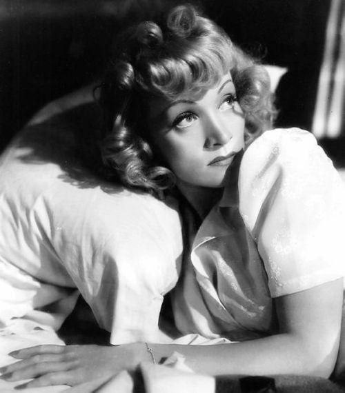 """Marlene Dietrich in """"Manpower"""", 1941"""