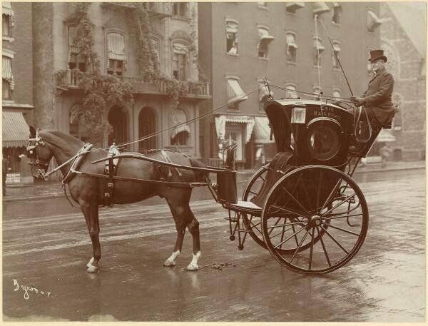 NYC cab, circa1900