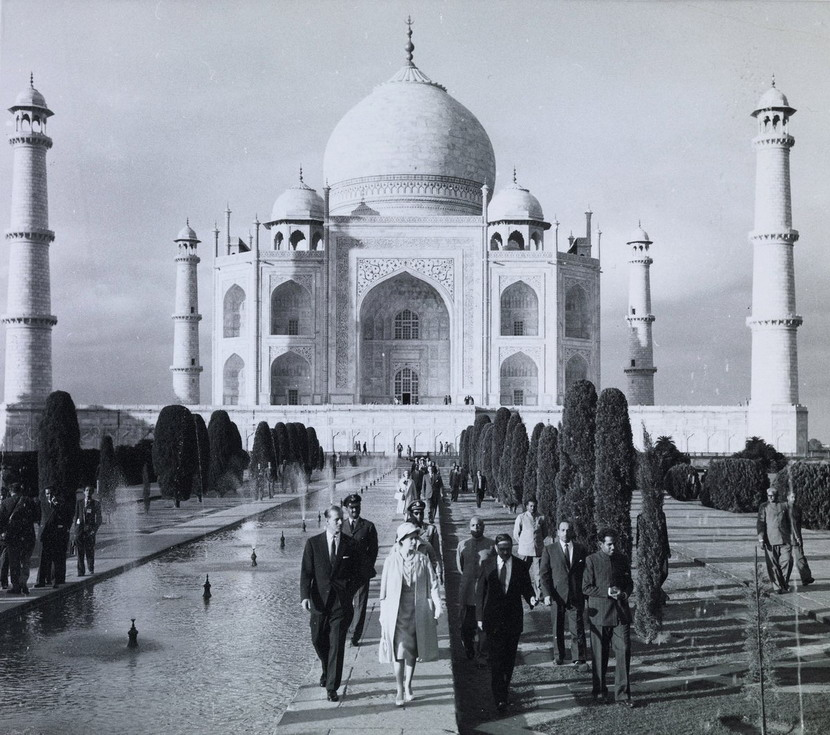QE II visiting India, 1962