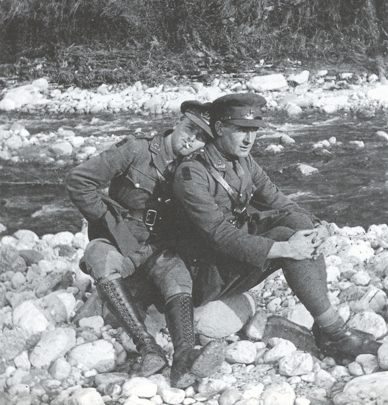 British soldiers together,WWI