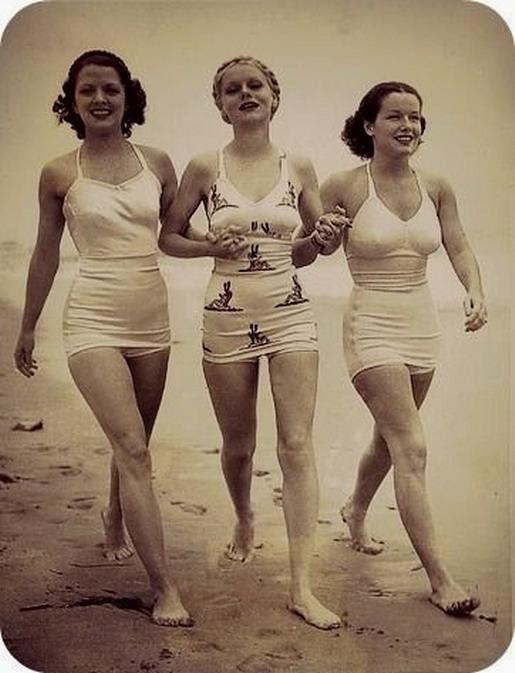Swimwear models, 1930s