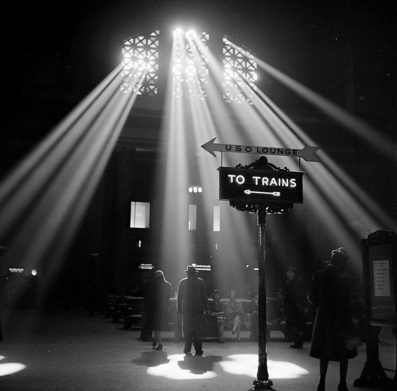 Chicago Union Station by Jack Delano, 1943