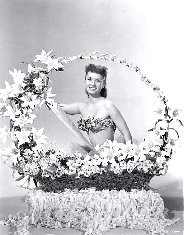 Happy Easter from Debbie Reynolds/Joyeuses Paques de DebbieReynolds