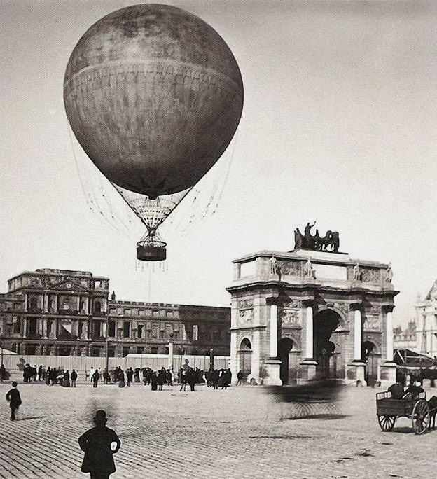Balloon rides over Paris, 1800s