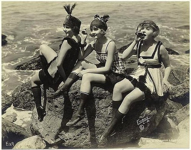 Vintage vamps at thebeach