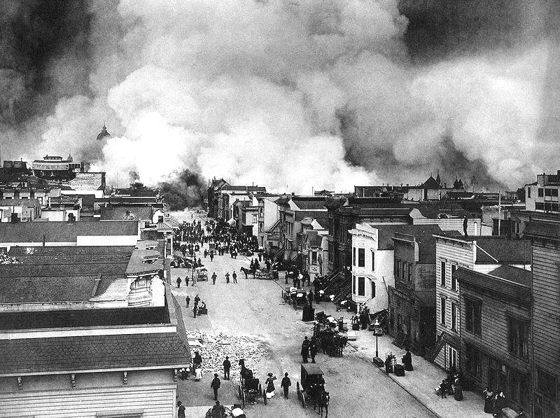 Fires engulfing San Francisco after the 1906earthquake