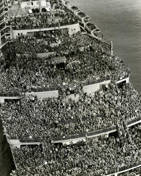 Troops returning home fromwar