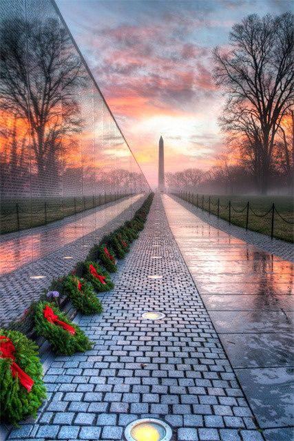 Vietnam War Memorial and the Washington Monument), WashingtonDC