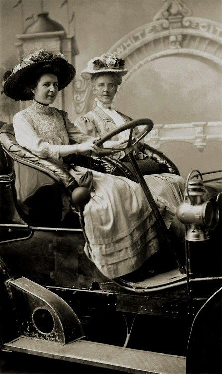 Female drivers, circa 1905