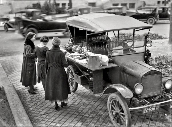 Ford Model T food truck, 1919