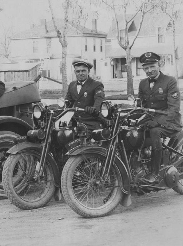 Vintage policemen, 1920s