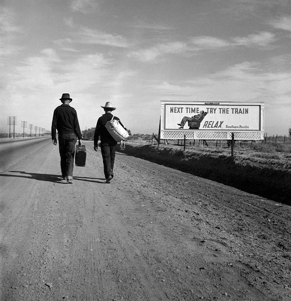 Economic refugees walking to California from Oklahoma during the Dust Bowl/Depression eras,1930s