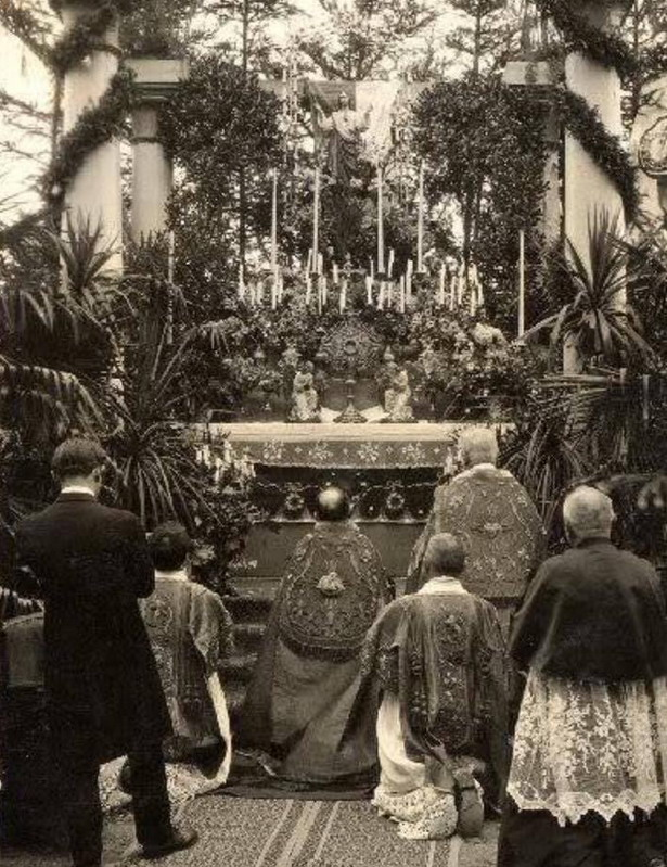 Praying at an outside altar, Mexico, 1930s(?)