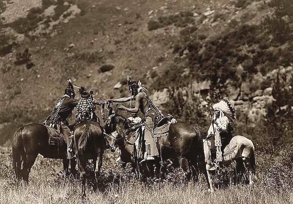 Native Americans trading goods,1800s
