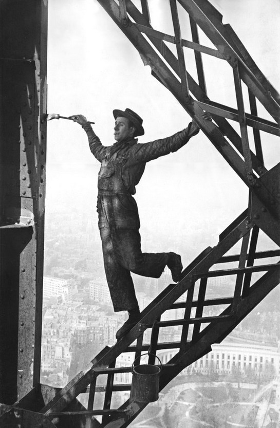 Painting the Eiffel Tower, Paris