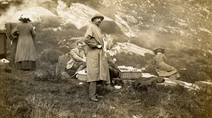 Vintage picnic in the mountains