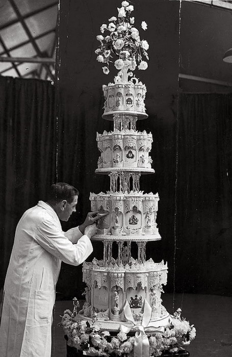 The wedding cake for Princess Elizabeth (now QEII), 1947