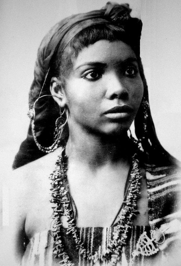 Femme Algerienne/Algerian Woman,1800s
