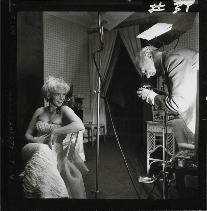 Cecil Beaton photographing Marilyn Monroe,1956