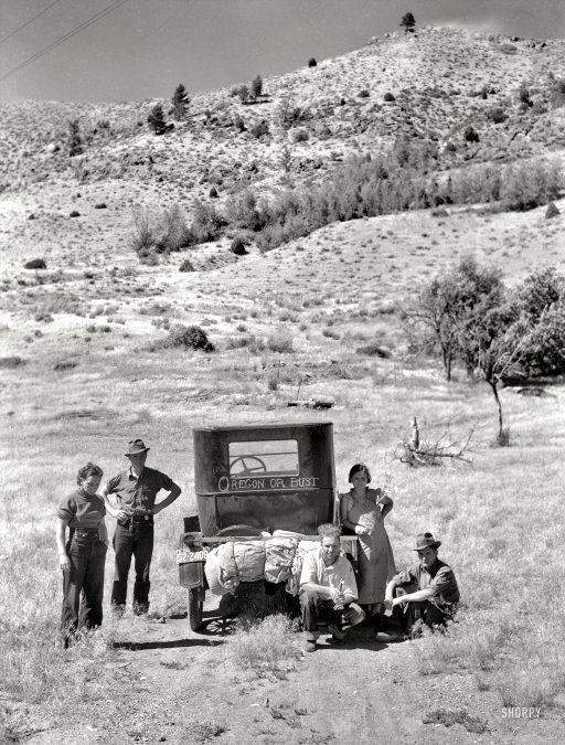 Economic refugees during the Great Depression & Dust Bowl, heading west to Oregon,1930s