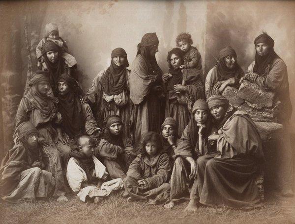 Bedouin women, Algeria,1800s