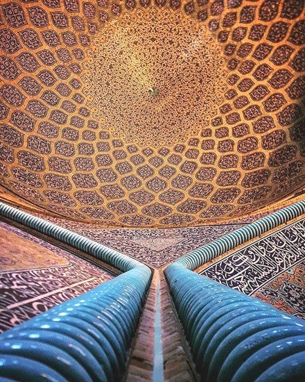 Mosque in Iran, photo by Mehrdad Rasoulifard