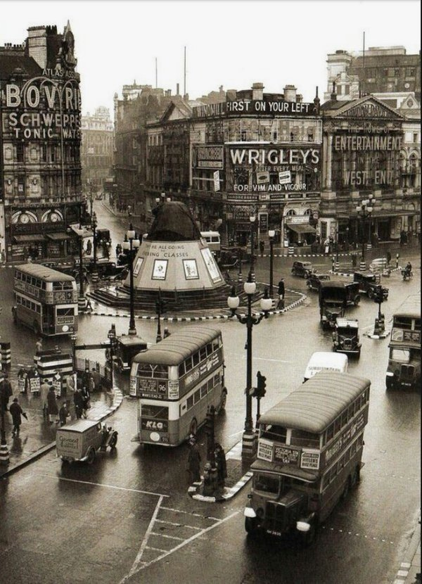 London, circa 1930