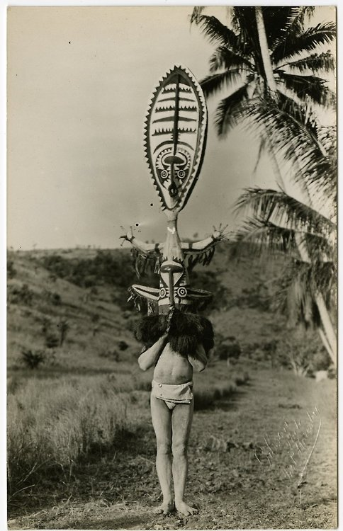 New Guinea native wear, early 20thcentury