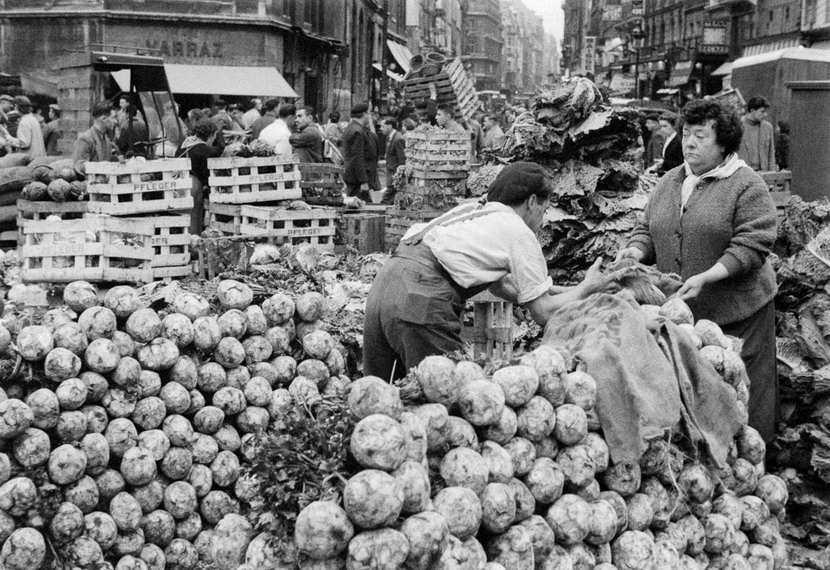 Paris street market months after the end of WWII, 1945 or1946