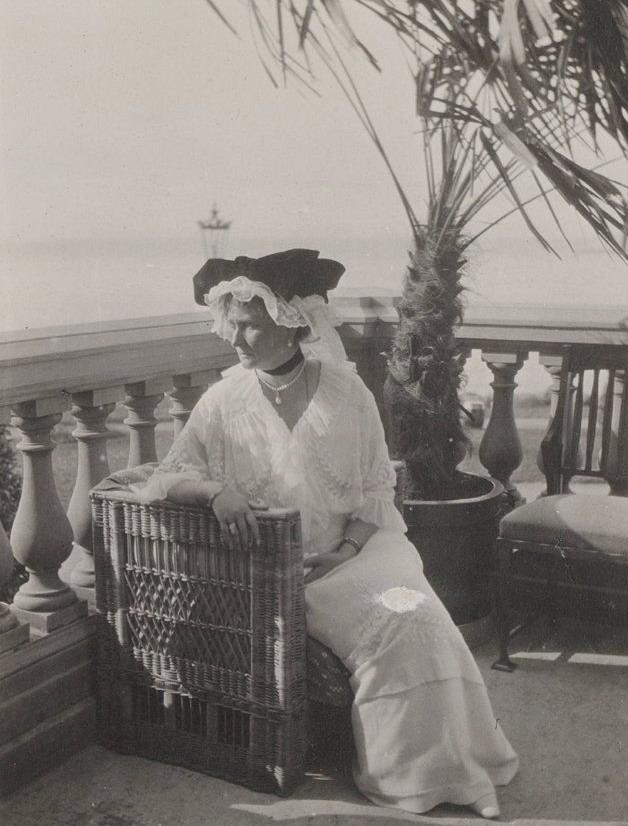 Grand Duchess Tatiana, Russian Empire, au bord de lamer