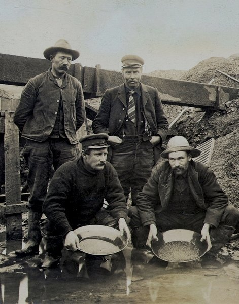 Gold miners, 1800s