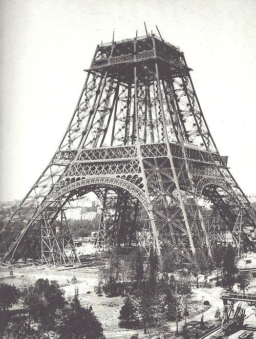 Construction of the Eiffel Tower,1880s