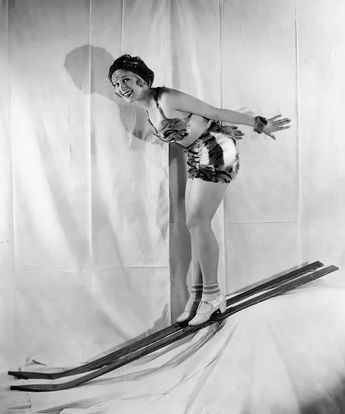 Ski pinup, 1930s