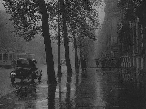 Rainy day in Brussels, 1937