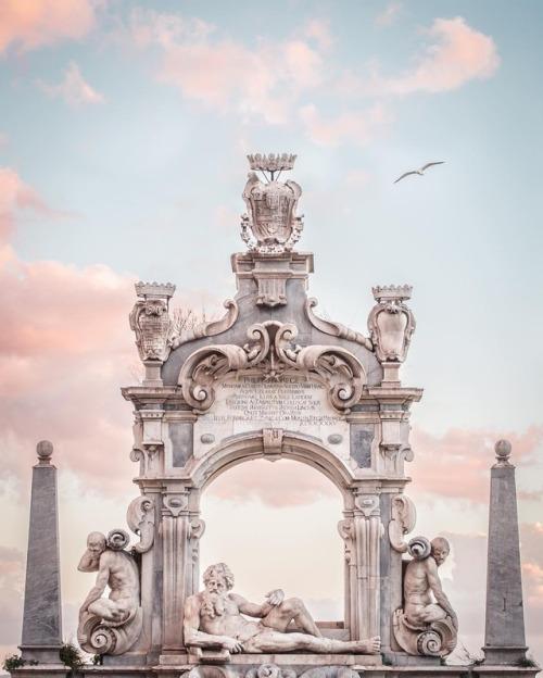Fontana del Sebeto, Napoli, Italia Marco Criscuolo