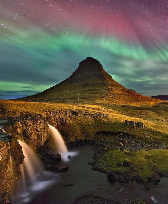 ICELAND 484