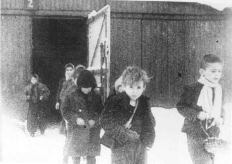 nazi cc kids being freed 1945