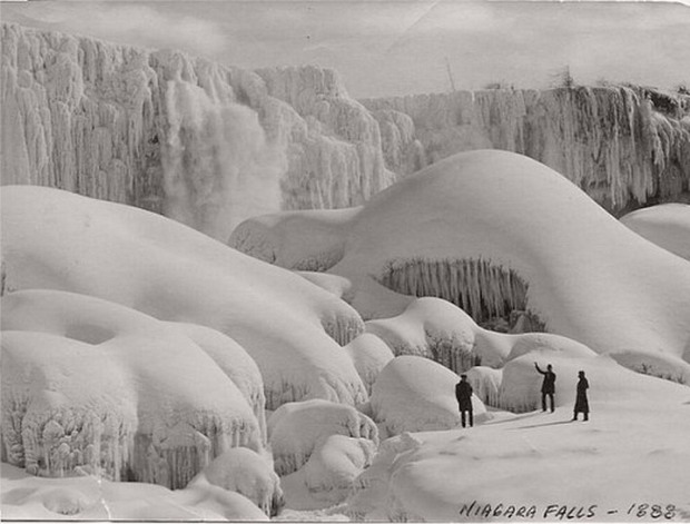 Niagara Falls frozen during the winter of 1888