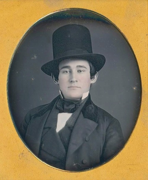 Portrait of a man wearing a top hat, 1800s