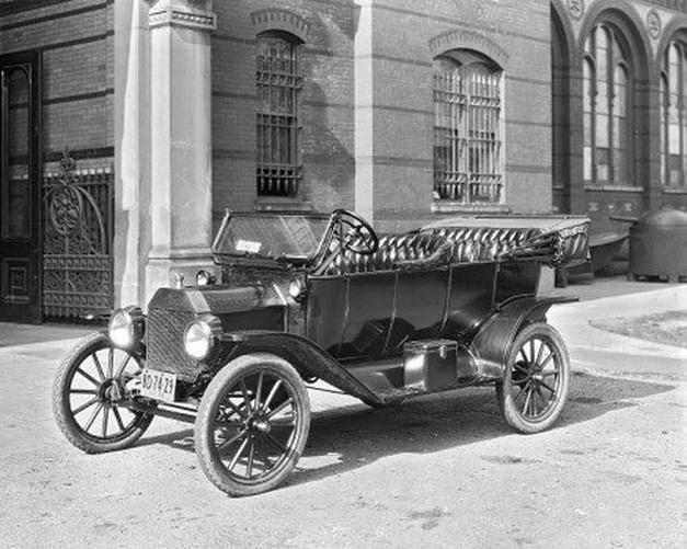 Convertible touring car,1910