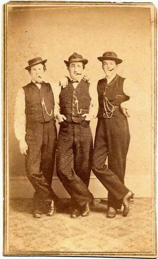 3 MEN TOGETHER 2423
