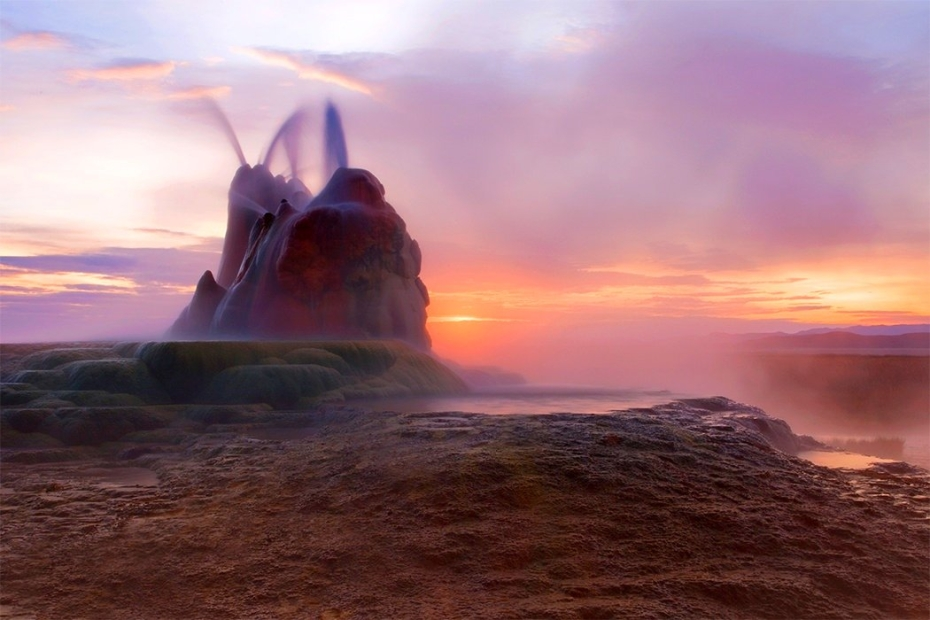 Geyser in the desert,Nevada