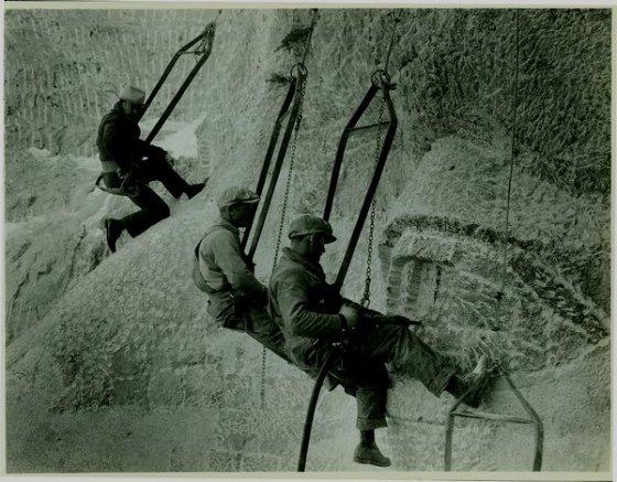 MOUNT RUSHMORE 30s