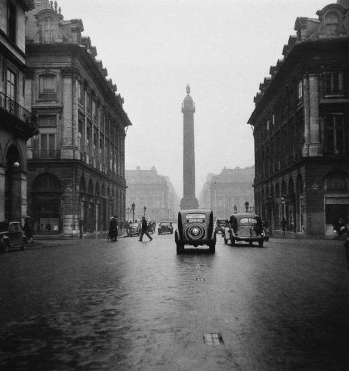 PARIS Robert Doisneau. Rue de la Paix,1951