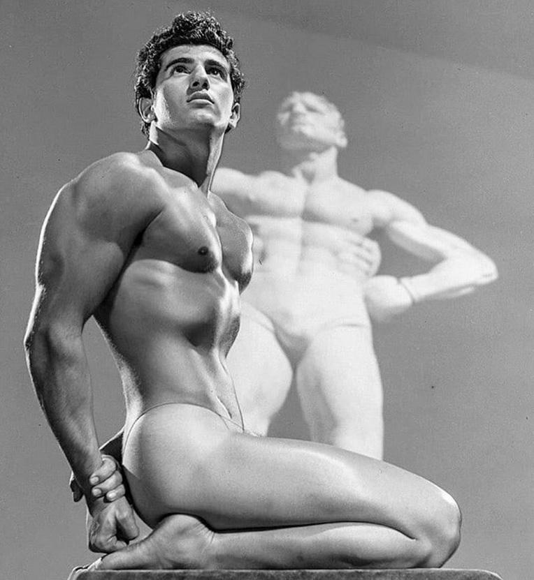 Physique era model by BobMizer