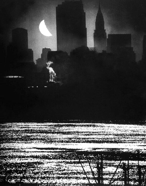 NYC by moonlight,1940s