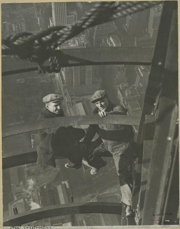 Workers building the Empire State Building, NYC, 1930s