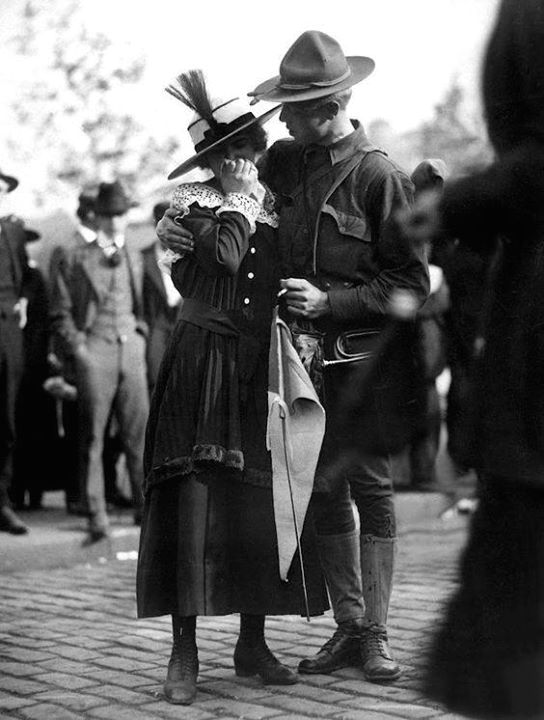 Soldier saying farewell to his wife,WWI